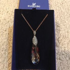 "Swarovski 32"" necklace with pendant"
